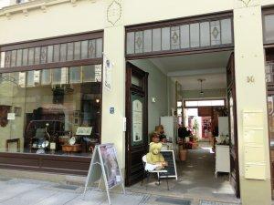 Laden in der Steinstraße